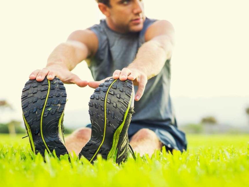 man-stretch-fitness