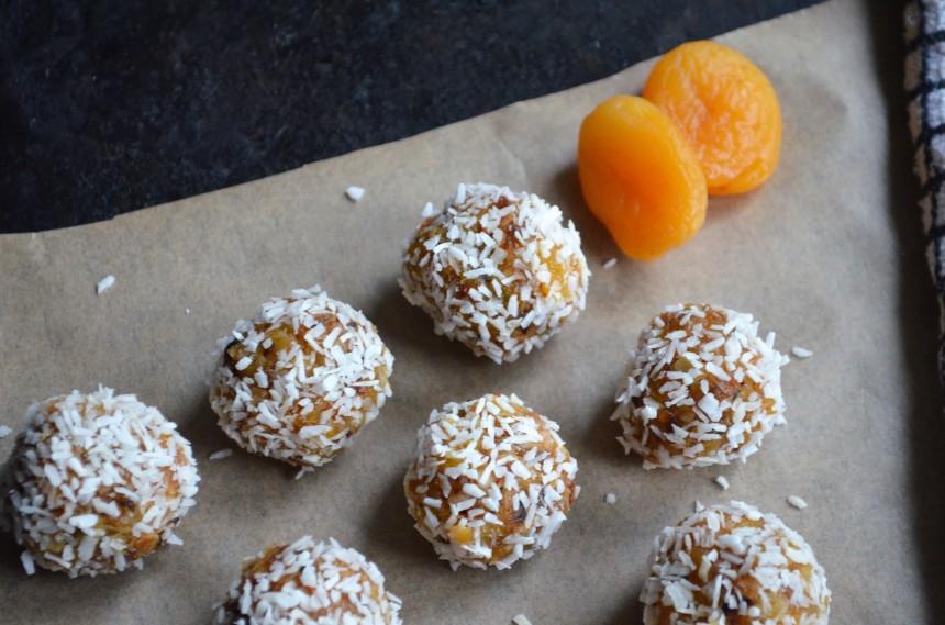 02-aprikosen-kokos-balle