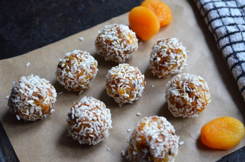 04-aprikosen-kokos-balle