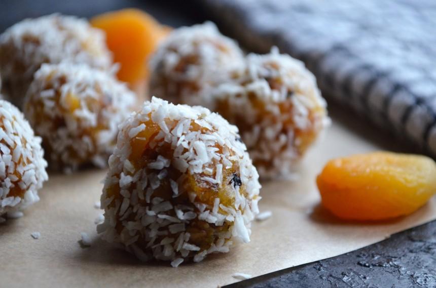 06-aprikosen-kokos-balle