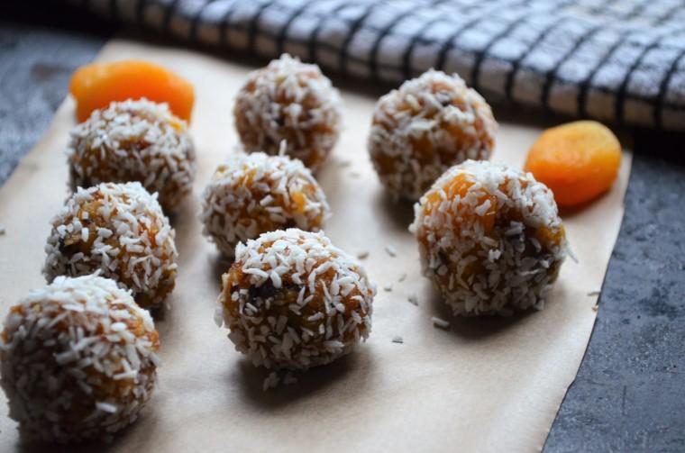 07-aprikosen-kokos-balle