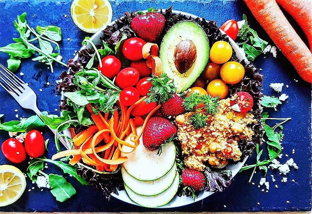 rezept frischer salat mit curry couscous und minz limettenvinaigrette marvinsfitnessblog. Black Bedroom Furniture Sets. Home Design Ideas