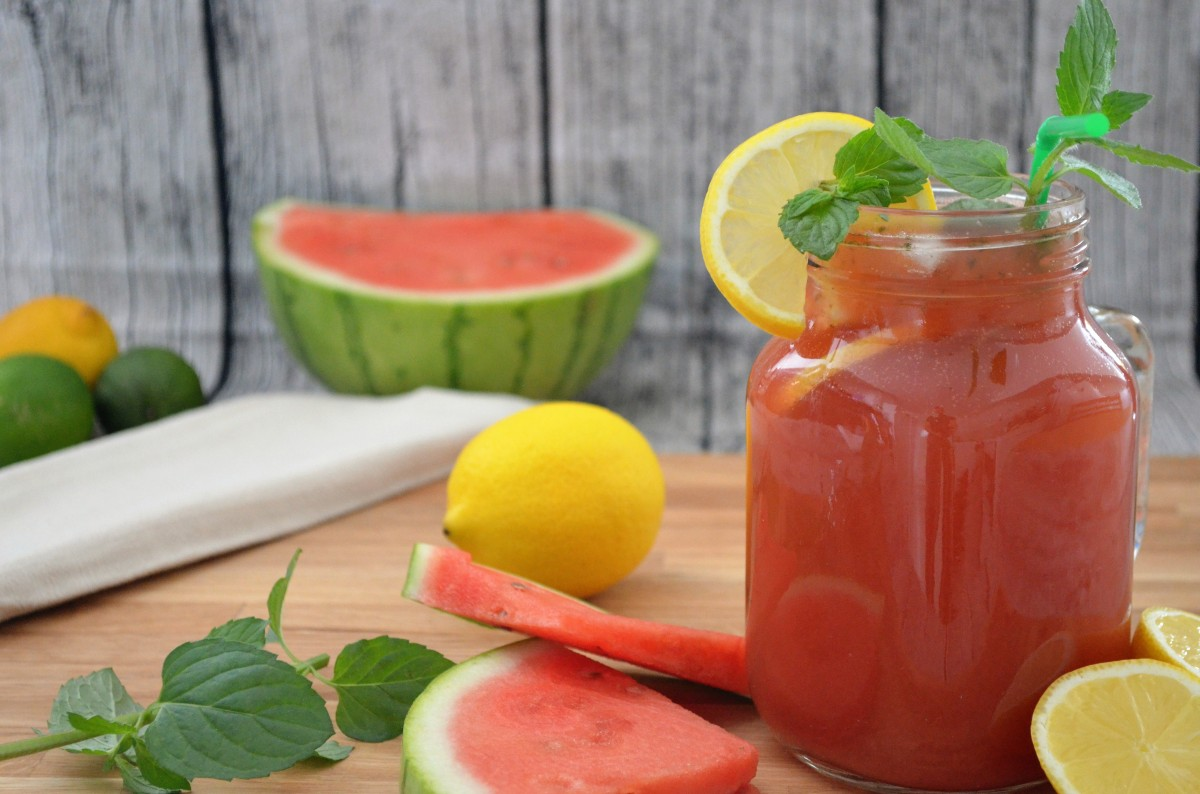 rezept frische wassermelonen limonade mit minze. Black Bedroom Furniture Sets. Home Design Ideas