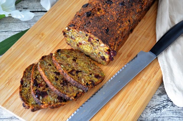 02-Cranberry-Brot-Nuesse
