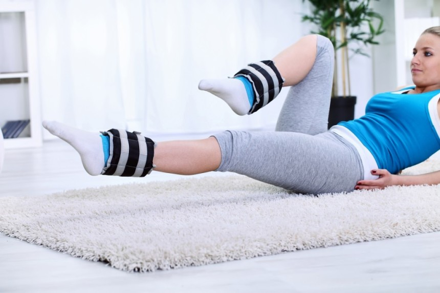 10-ankle-weight-exercises-for-sleek-legs-and-a-toned-bum1-1024x682