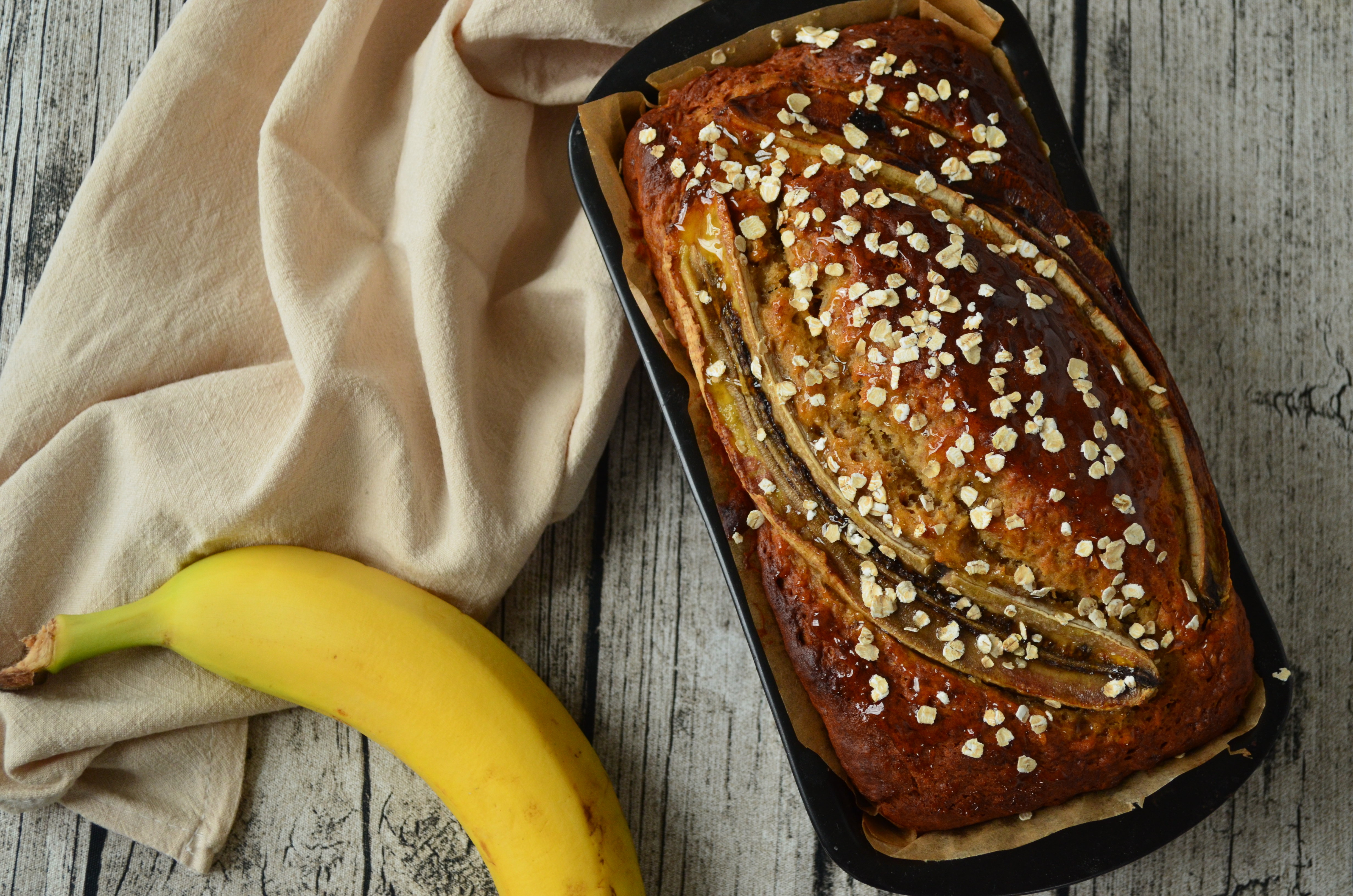 Rezept: Gesundes Bananenbrot mit Honig und Haferflocken