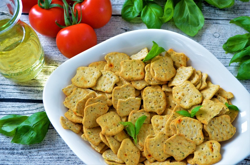 02-Paleo-Pizza-Cracker