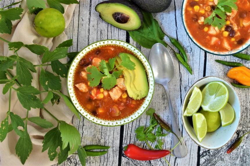 01-Mexikanische-Tortilla-Suppe