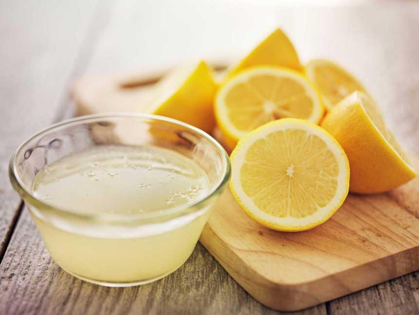 Zitrone-frisch-gepresst