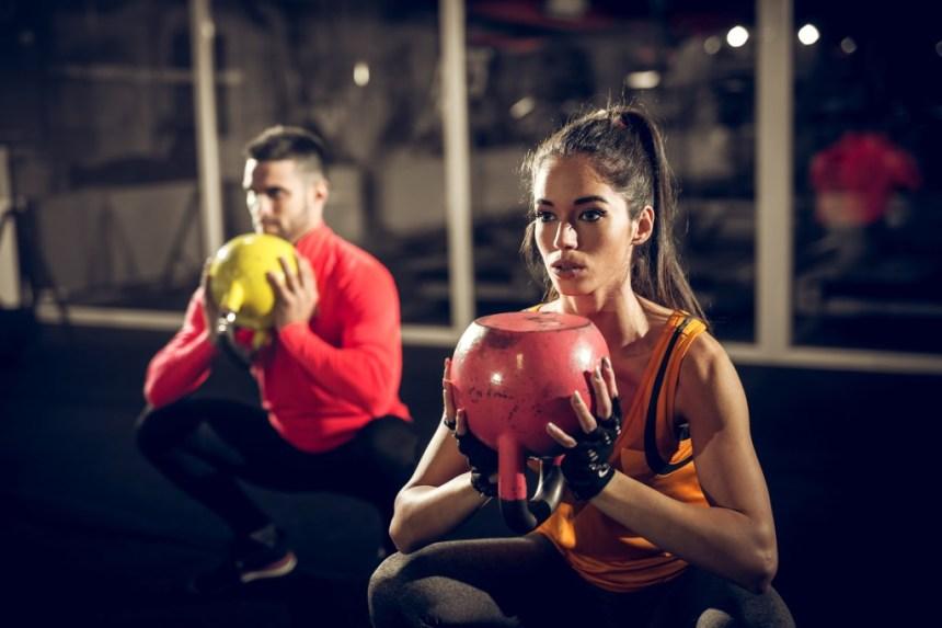 kettlebell-workout-mann-frau